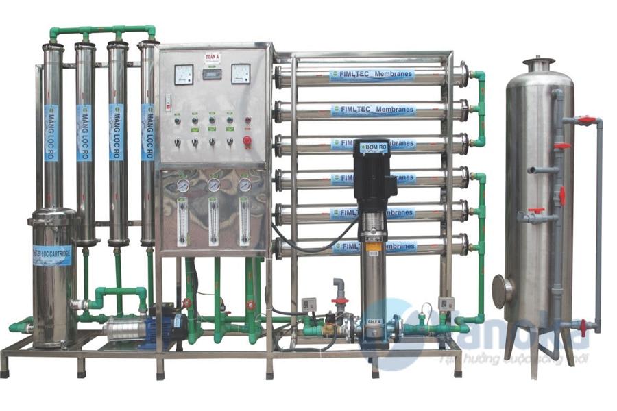 Phát minh mới về hệ thống lọc nước bằng năng lượng mặt trời