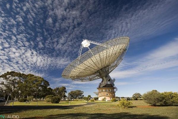 Giải mã tín hiệu sóng vô tuyến bí ẩn từ vũ trụ