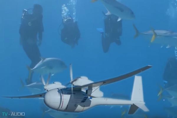 Phát minh mới của Boeing về máy bay không người lái lai tàu ngầm